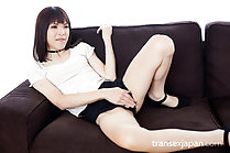 Kawai Yui strips shorts and fingers her ass
